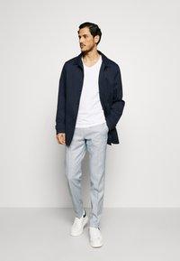 Tommy Hilfiger Tailored - SLIM FIT FLEX PANT - Pantalones - blue - 1