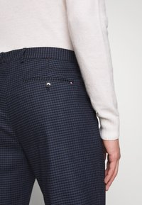 Tommy Hilfiger Tailored - GINGHAM CHECK SLIM FIT PANT - Pantaloni - black - 4