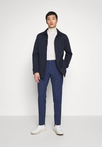 Tommy Hilfiger Tailored - MINI HOUNDSTOOTH SLIM FIT PANT - Pantaloni - blue - 1