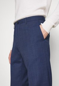 Tommy Hilfiger Tailored - MINI HOUNDSTOOTH SLIM FIT PANT - Pantaloni - blue - 3