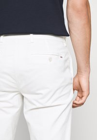 Tommy Hilfiger Tailored - FLEX SLIM FIT PANT - Pantaloni - white - 4