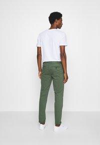 Tommy Hilfiger Tailored - FLEX SLIM FIT PANT - Pantaloni - green - 2
