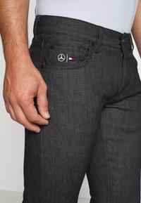 Tommy Hilfiger Tailored - TOMMY X MERCEDES-BENZ - Slim fit jeans - black - 3