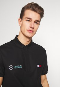 Tommy Hilfiger Tailored - TOMMY X MERCEDES-BENZ - Polo shirt - black - 2