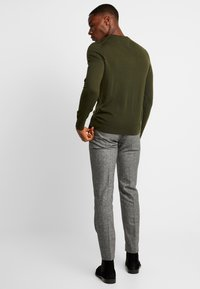 Tommy Hilfiger Tailored - LUXURY - Neule - green - 2
