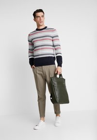 Tommy Hilfiger Tailored - CHUNKY ICON CREW NECK - Pullover - grey - 1