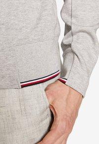 Tommy Hilfiger Tailored - TOMMY X MERCEDES-BENZ - Sweatshirt - grey - 4