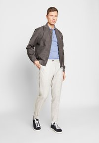 Tommy Hilfiger Tailored - TOMMY X MERCEDES-BENZ - Bomber Jacket - grey - 1
