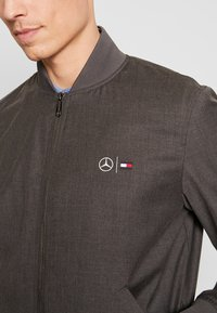 Tommy Hilfiger Tailored - TOMMY X MERCEDES-BENZ - Bomber Jacket - grey - 4