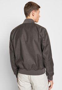 Tommy Hilfiger Tailored - TOMMY X MERCEDES-BENZ - Bomber Jacket - grey - 2