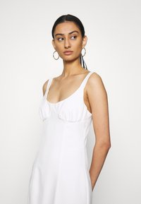 Third Form - VENTURE GATHER BRA MIDI - Day dress - offwhite - 3