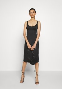 Third Form - VENTURE GATHER BRA MIDI - Day dress - black - 1