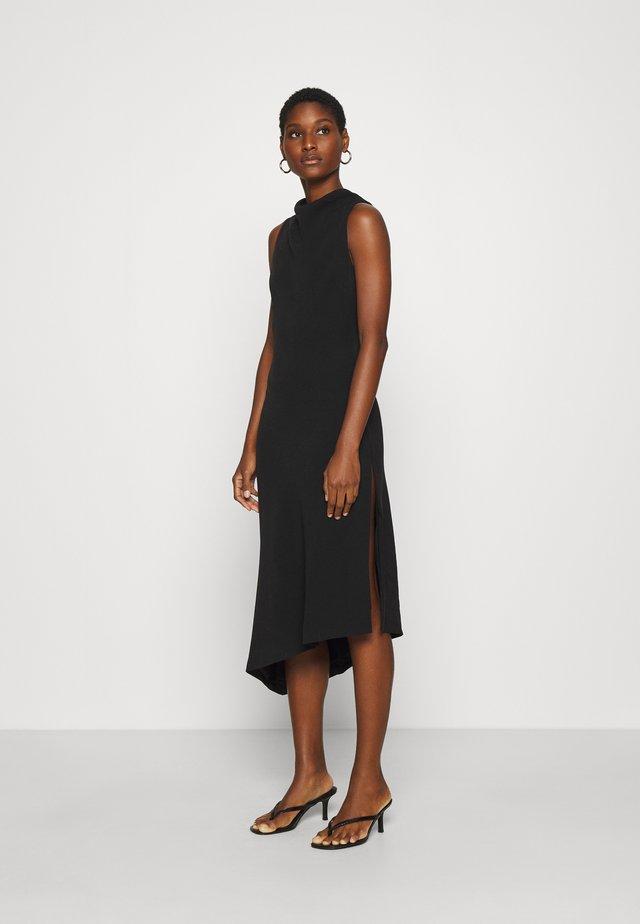 RISING DRESS - Sukienka etui - black