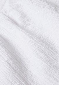 Third Form - CLOUD WRAP UP BLOUSE - Blouse - white - 2