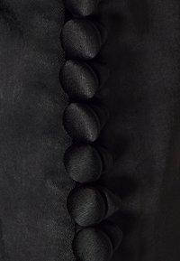 Third Form - WILD FLOWERS BUTTON CUFF BLOUSE - Blouse - black - 2
