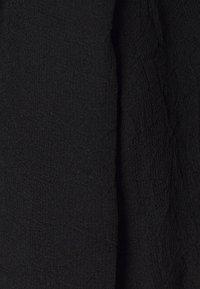 Third Form - CRUSH WRAP COLLAR BLOUSE - Blouse - black - 3