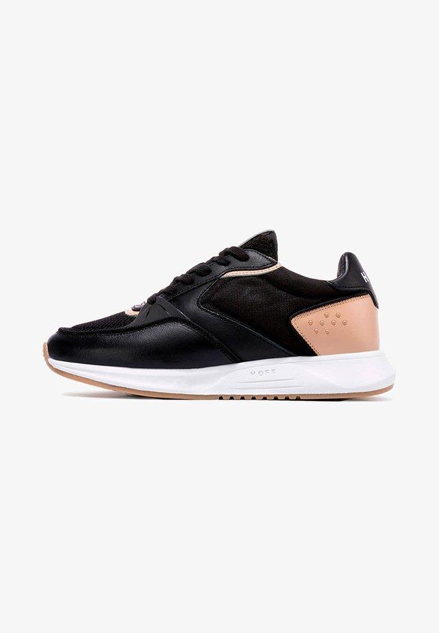 SOHO - Trainers - black-rose