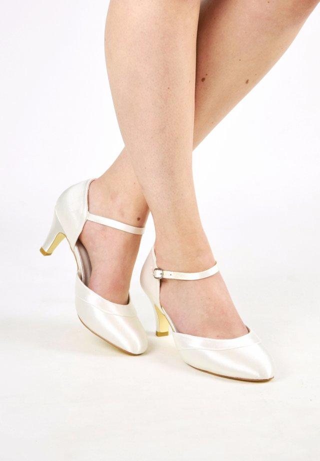 ELSA - Bridal shoes - ivory