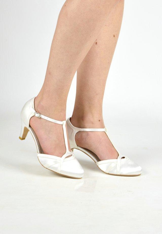 BELLE - Bridal shoes - ivory