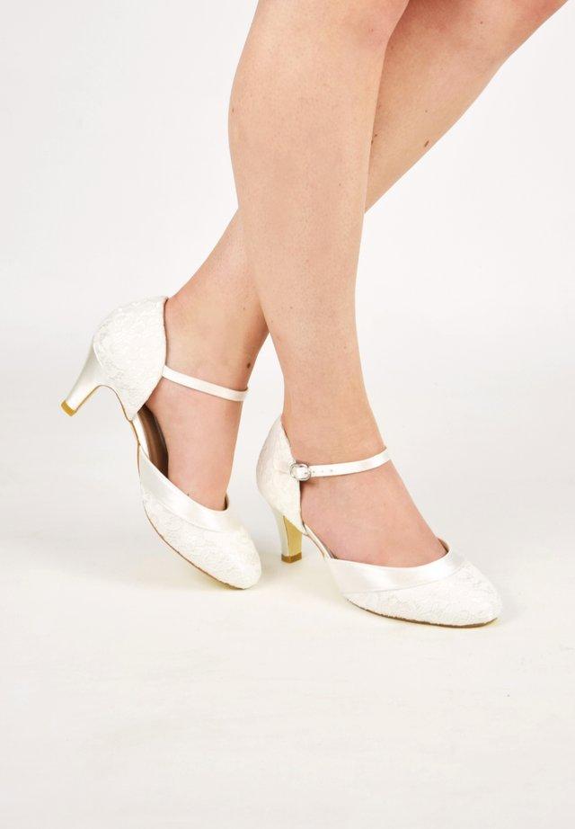 ELSA-SPITZE - Bridal shoes - ivory