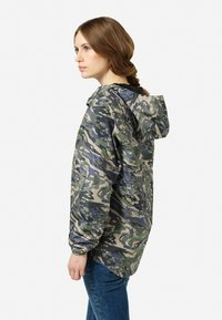 Tretorn - BLEETER - Waterproof jacket - rapa valley - 5