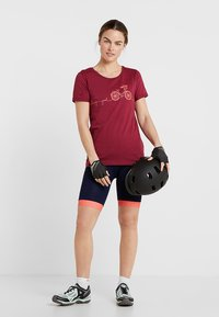 Triple2 - LAAG WOMEN BIKE - T-Shirt print - beet red - 1