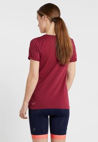 Triple2 - LAAG WOMEN BIKE - T-Shirt print - beet red - 2