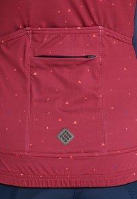 Triple2 - VELOZIP PERFORMANCE WOMEN - T-Shirt print - beet red - 6
