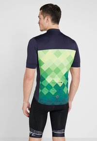 Triple2 - VELOZIP PERFORMANCE MEN - T-Shirt print - online lime - 2