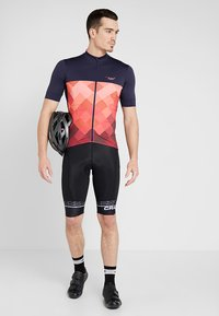 Triple2 - VELOZIP PERFORMANCE MEN - T-Shirt print - living coral - 1