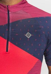 Triple2 - MEN - T-shirts print - beet red - 4