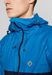 Triple2 - SMUDD SUPERLIGHT RAINJACKET MEN - Veste coupe-vent - mykonos blue - 5