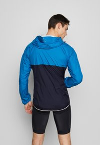 Triple2 - SMUDD SUPERLIGHT RAINJACKET MEN - Veste coupe-vent - mykonos blue - 2