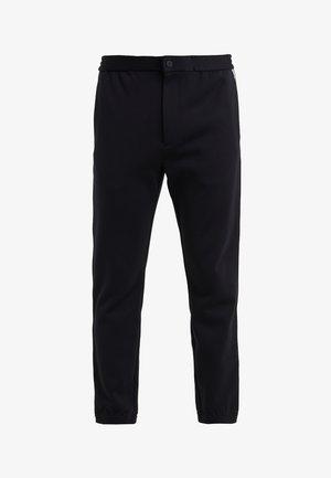 TERRACE TECH FACE PONTE - Spodnie materiałowe - black