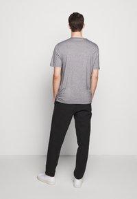 Theory - TIDAL TEE  - Print T-shirt - black/natural - 2