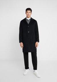 Theory - SUFFOLK - Zimní kabát - black - 0