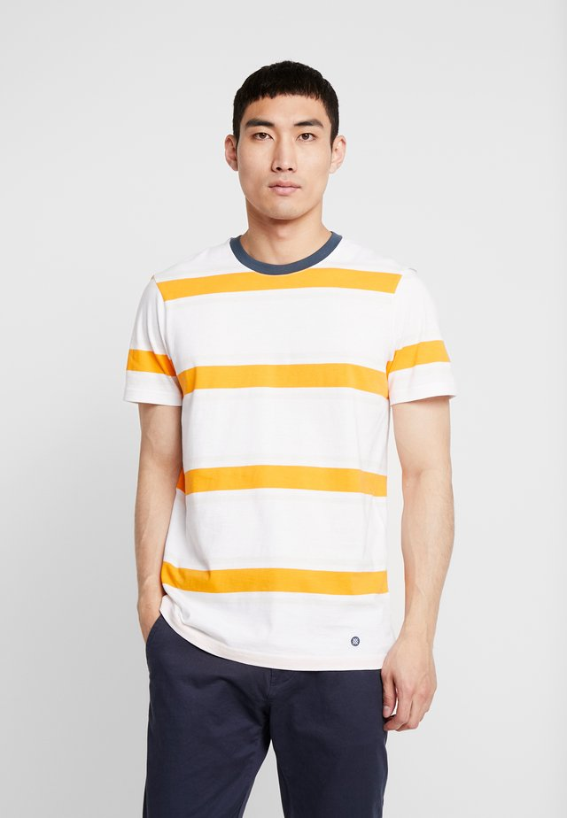 BOYD  - Print T-shirt - white
