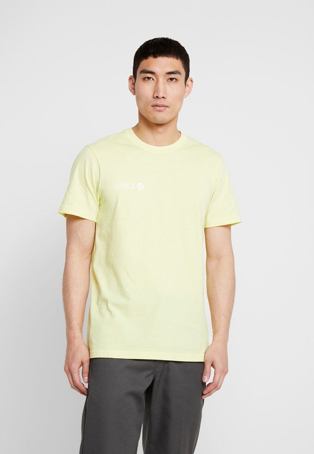 EON - T-shirt print - yellow