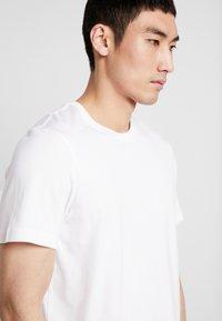 Stance - SHELTER  - T-shirt basic - white - 4