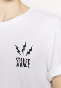 Stance - CHAMBER - Print T-shirt - white - 4