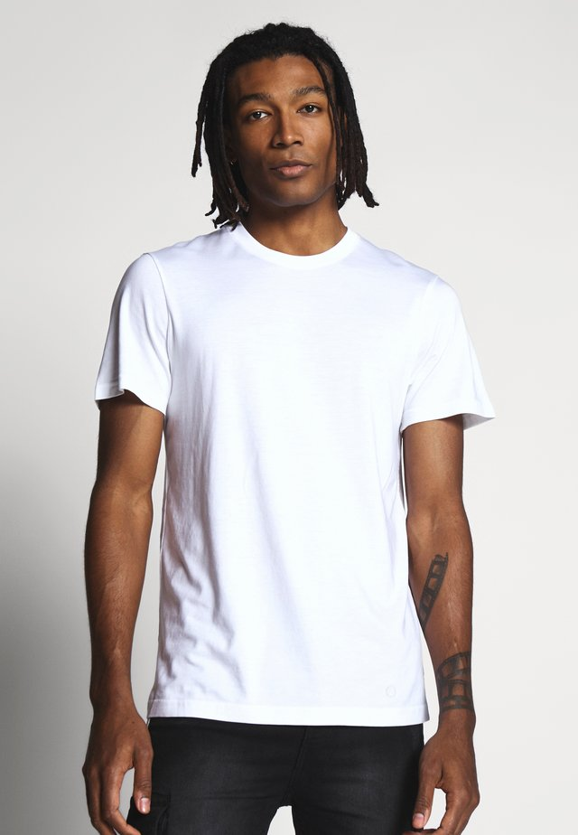 STANDARD - Basic T-shirt - white