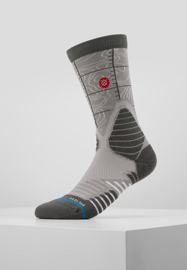 HEAT CHECK USA - Sports socks - grey