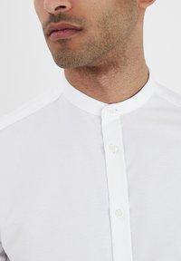 Tailored Originals - JUNAID - Skjorta - white - 3