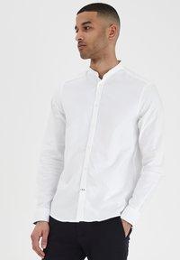 Tailored Originals - JUNAID - Skjorta - white - 0