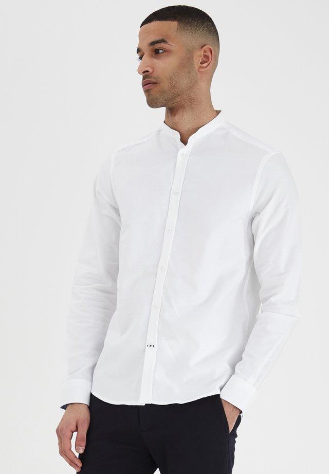JUNAID - Skjorta - white
