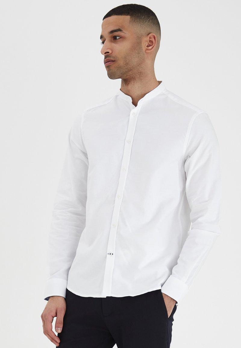 Tailored Originals - JUNAID - Skjorta - white