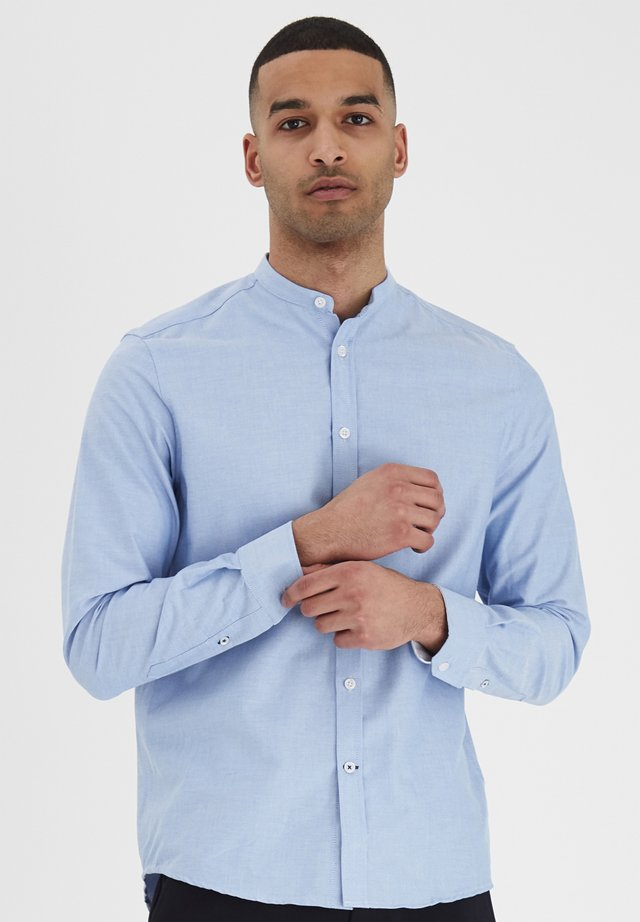 JUNAID - Shirt - sky blue