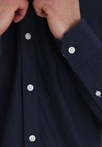 Tailored Originals - NEW LONDON - Skjorta - dark blue - 4