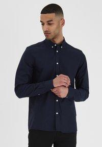 Tailored Originals - NEW LONDON - Skjorta - dark blue - 0