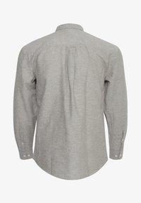 Tailored Originals - KASSIDY - Skjorta - laurel oak - 1
